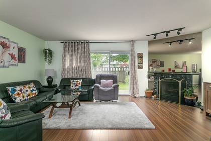 1j6a7676 at 1593 Augusta Avenue, Simon Fraser Univer., Burnaby North