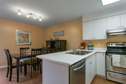 1j6a6216 at 1623 Augusta Avenue, Simon Fraser Univer., Burnaby North