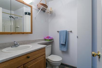 bathroom-up at 1257 Nestor Street,