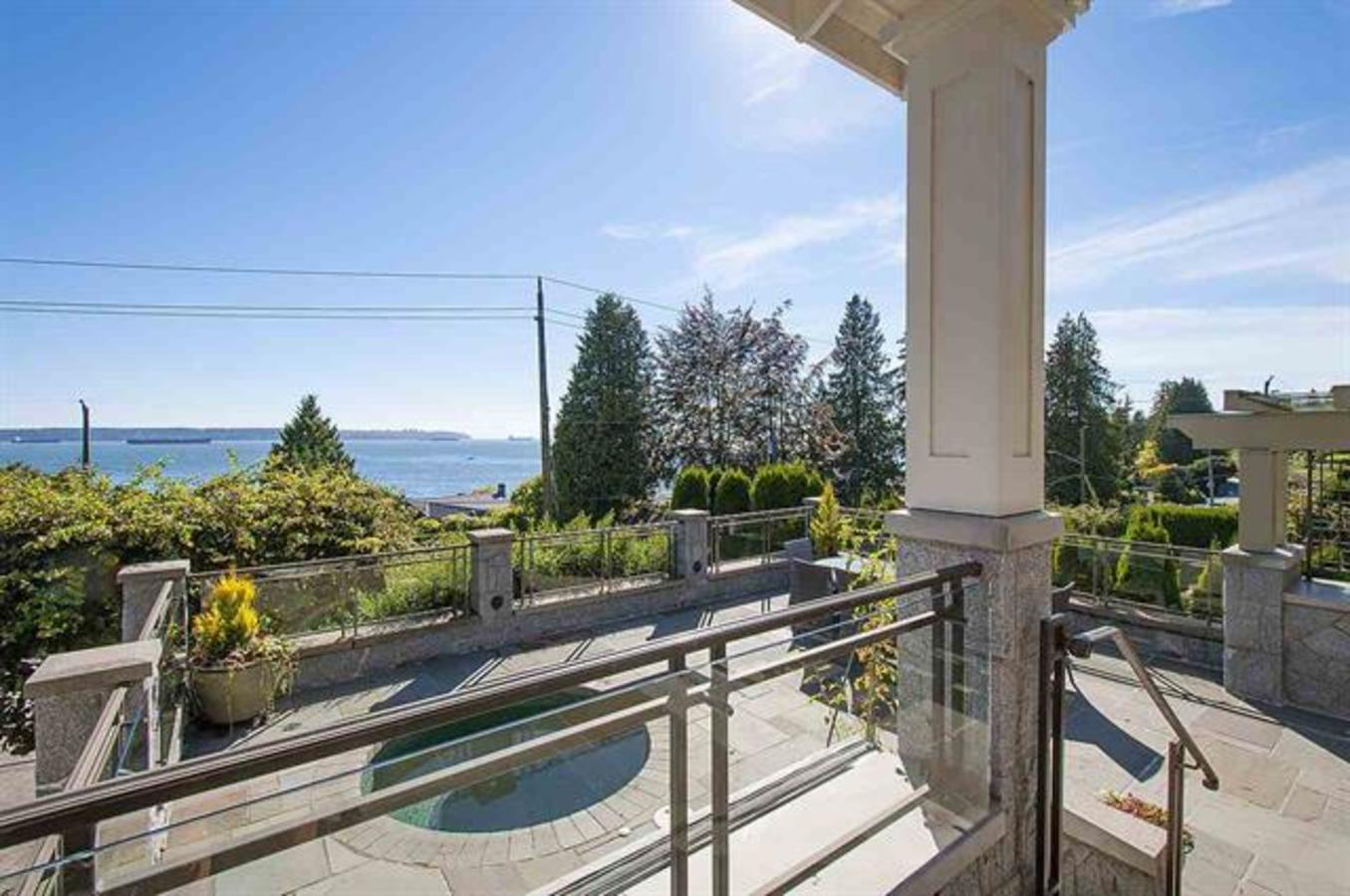 262164383-1 at 2633 Bellevue Avenue, Dundarave, West Vancouver