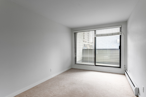 09 at 207 - 225 Sixth Street, Queens Park, New Westminster