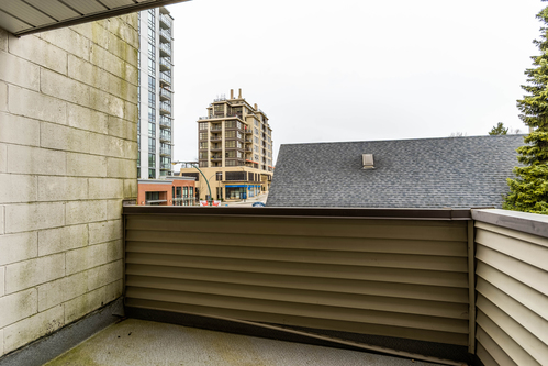 10 at 207 - 225 Sixth Street, Queens Park, New Westminster