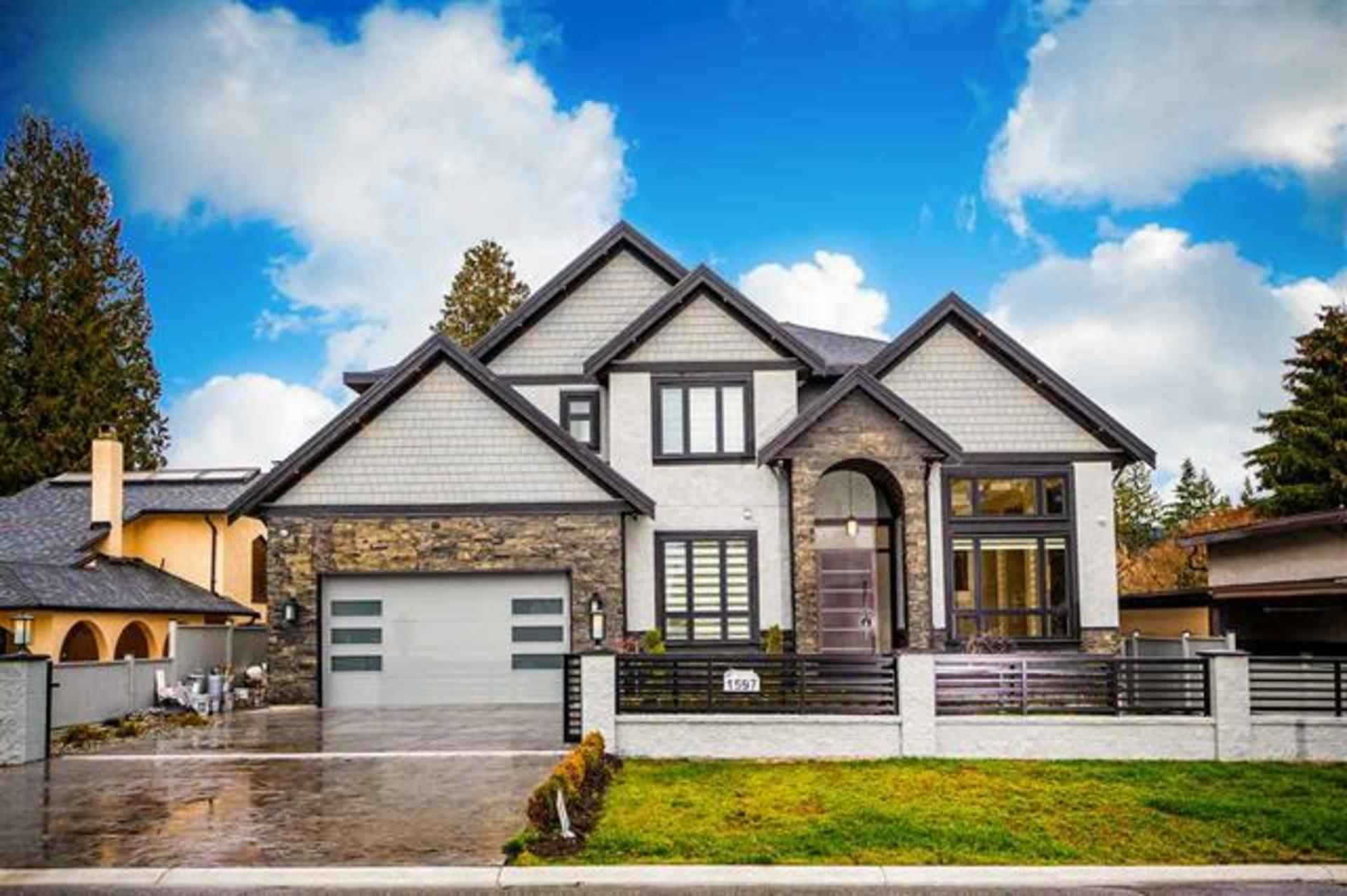 1597 Balmoral, Harbour Place, Coquitlam