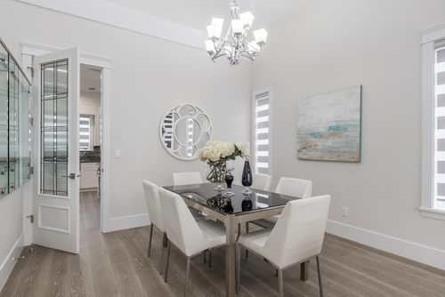 dining at 438 Montgomery Street, Central Coquitlam, Coquitlam