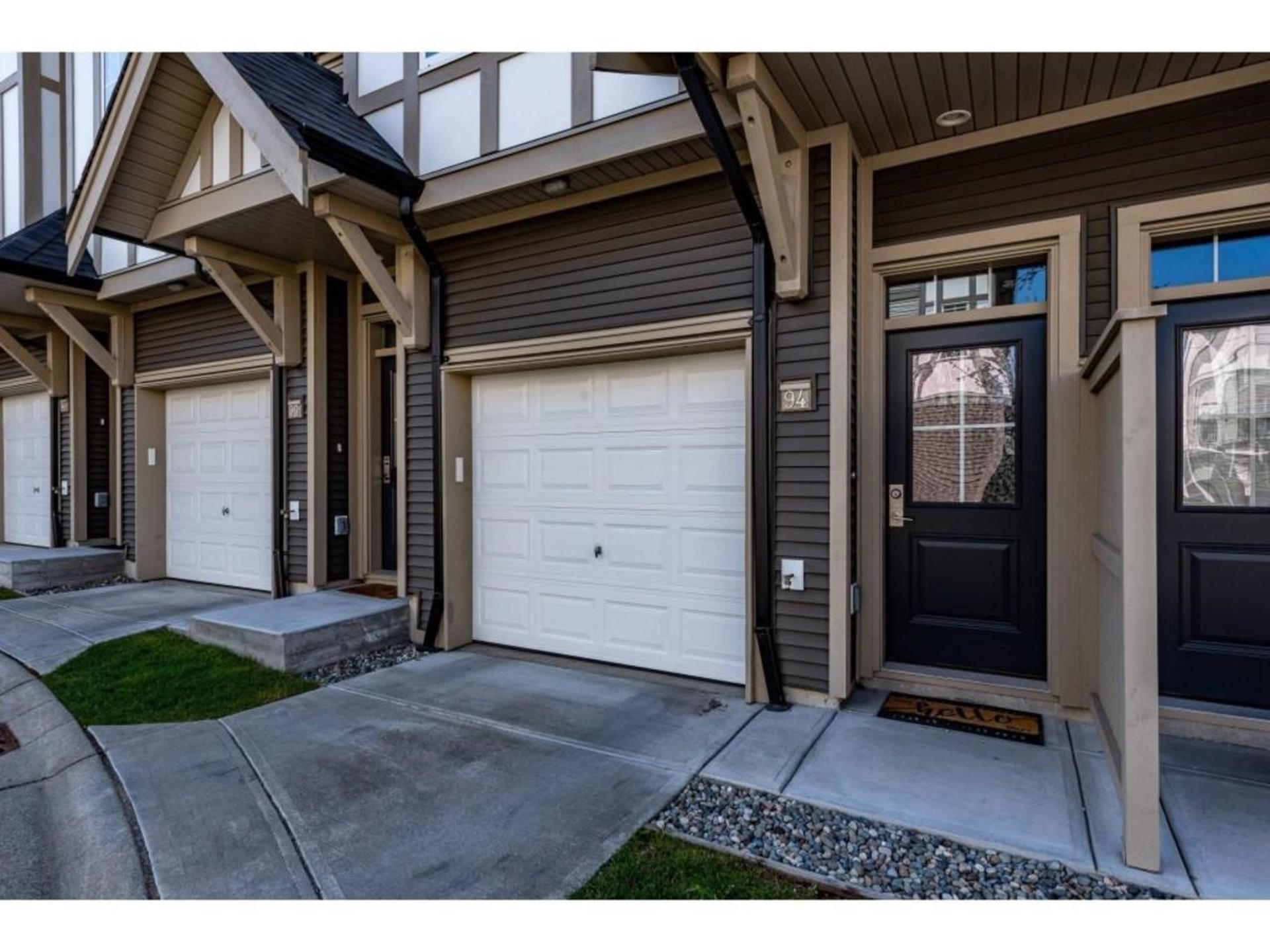 Front Entrance to unit and oversized tandem garage at 94 - 30989 Westridge Place, Abbotsford West, Abbotsford