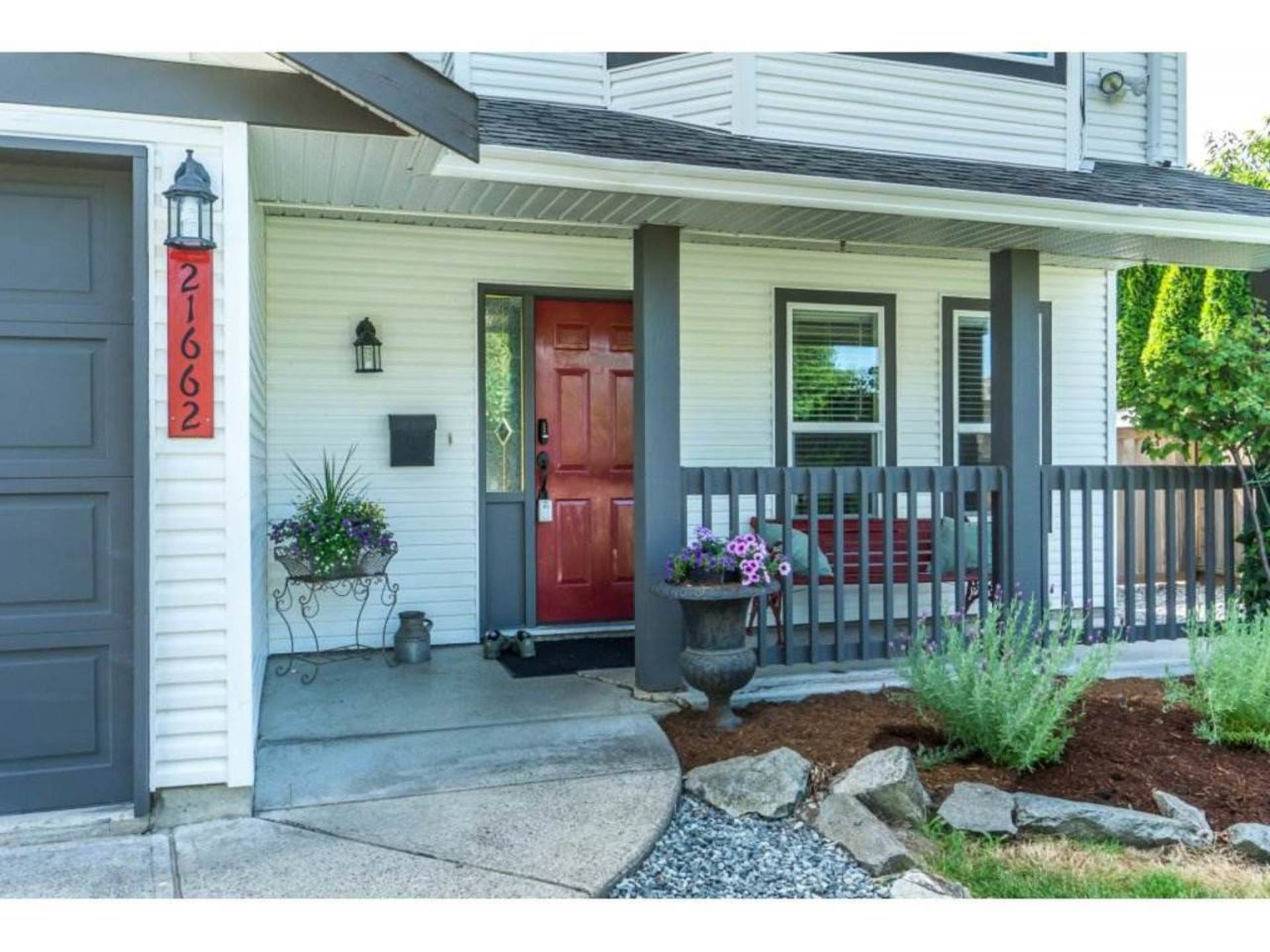 Front Entrance at 21662 50a Avenue, Murrayville, Langley