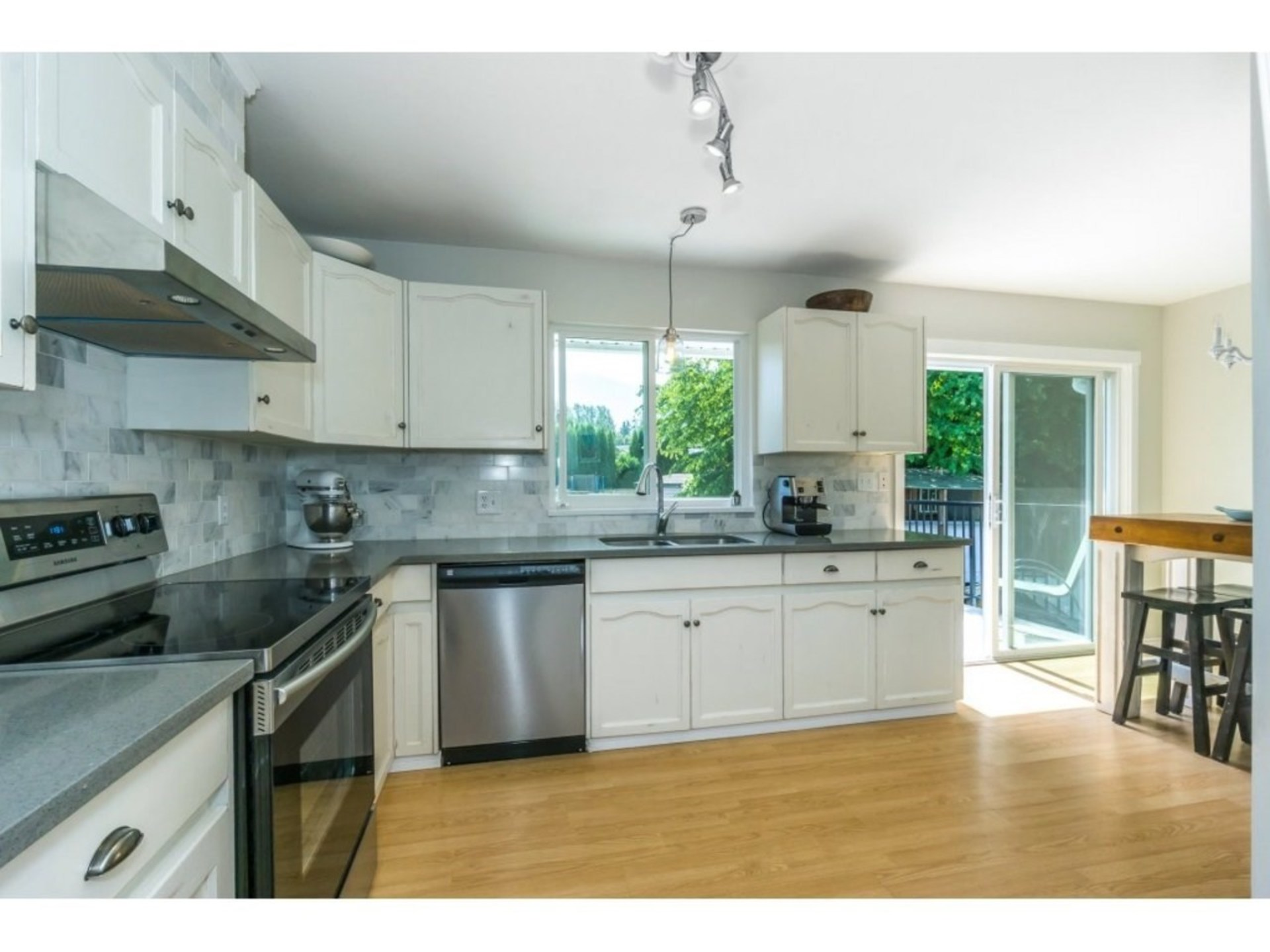 Kitchen at 21662 50a Avenue, Murrayville, Langley