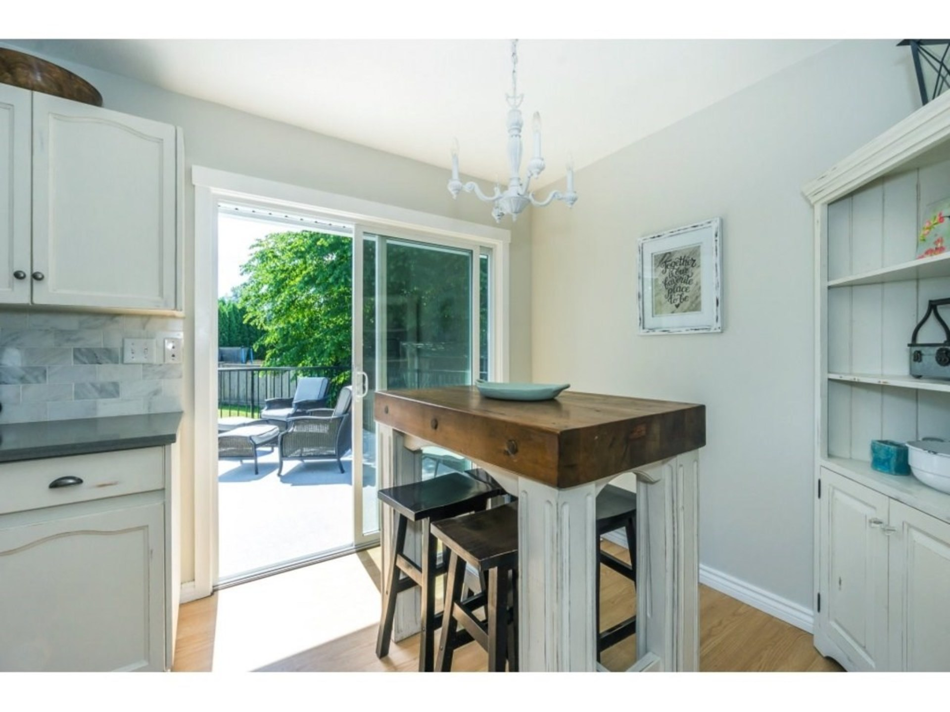 Eating Area at 21662 50a Avenue, Murrayville, Langley