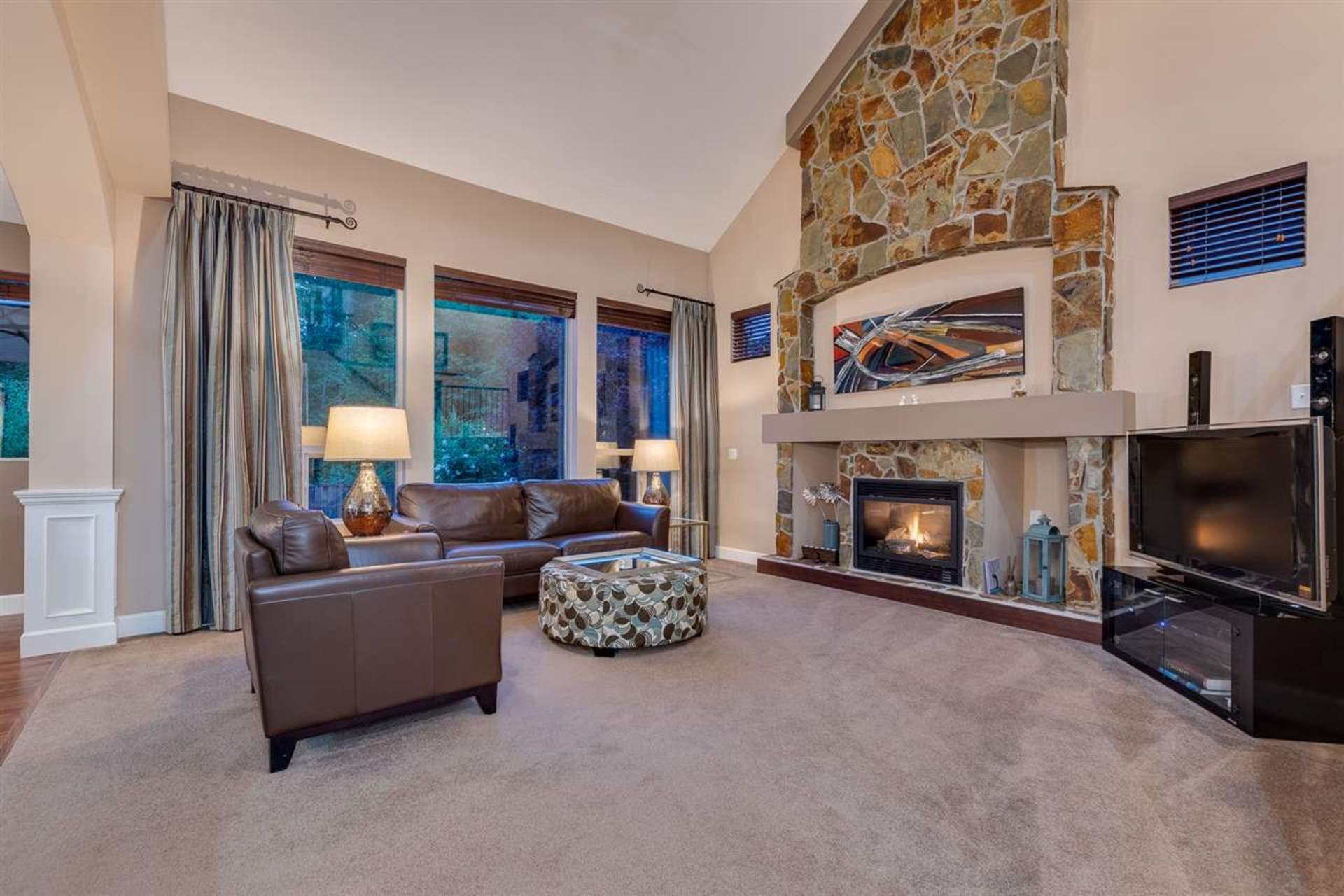 living-room at 24604 Kimola Drive, Albion, Maple Ridge