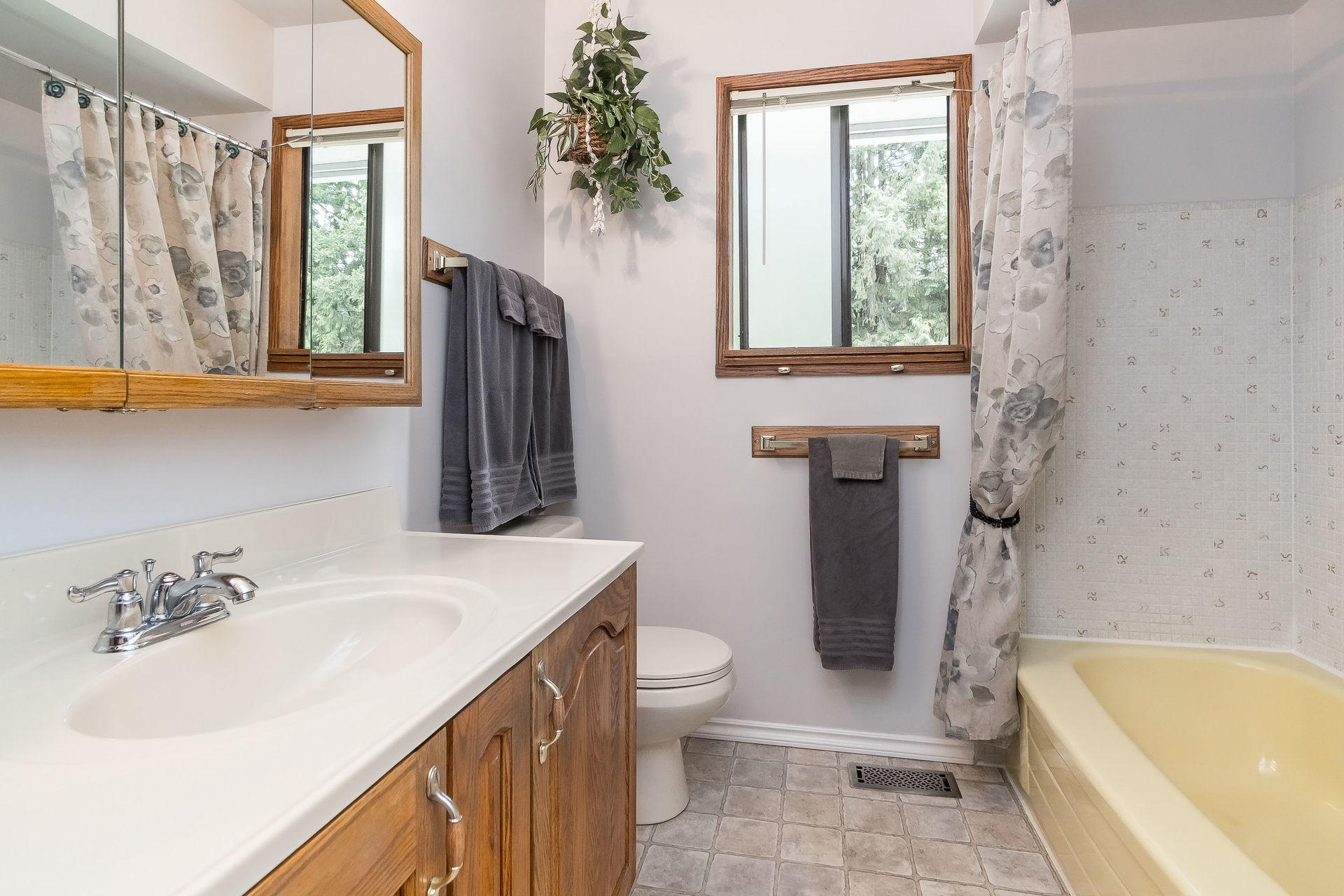 Main Floor Bathroom at 4062 207a Street, Brookswood Langley, Langley