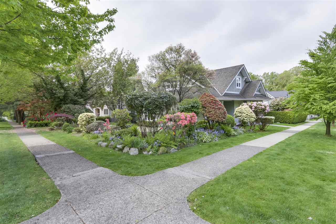 2528-w-39th-avenue-kerrisdale-vancouver-west-02 at 2528 W 39th Avenue, Kerrisdale, Vancouver West