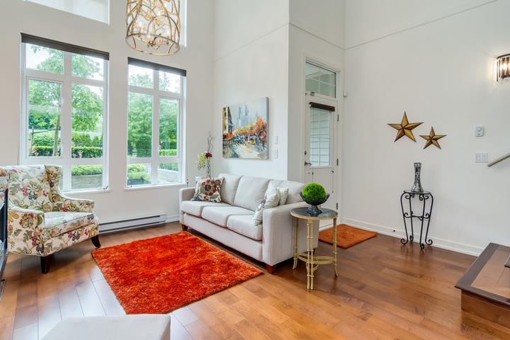 Living Room at 151 - 2950 King George Boulevard, King George Corridor, South Surrey White Rock
