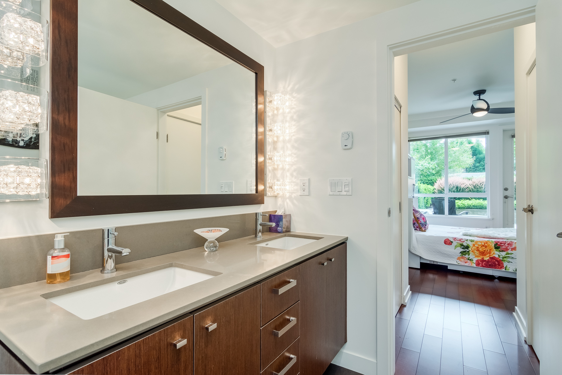 Master Bedroom Ensuite at 151 - 2950 King George Boulevard, King George Corridor, South Surrey White Rock