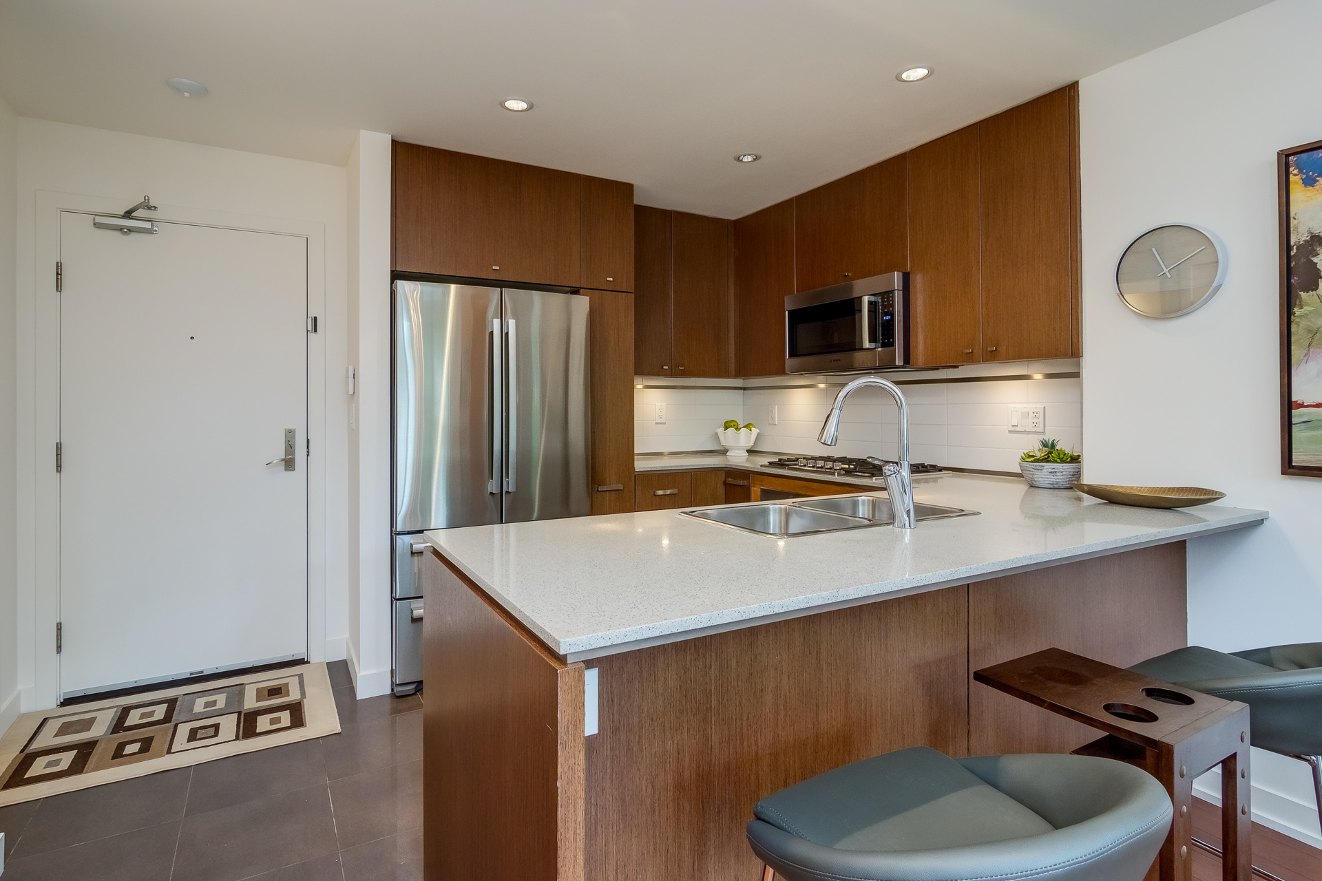 Kitchen at 151 - 2950 King George Boulevard, King George Corridor, South Surrey White Rock