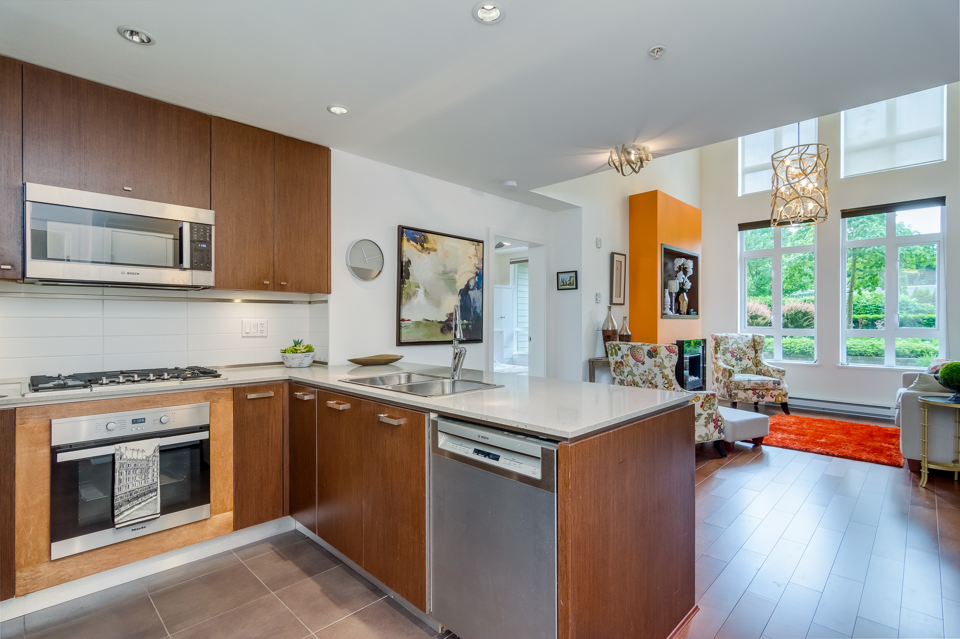 Kitchen & Living Room at 151 - 2950 King George Boulevard, King George Corridor, South Surrey White Rock