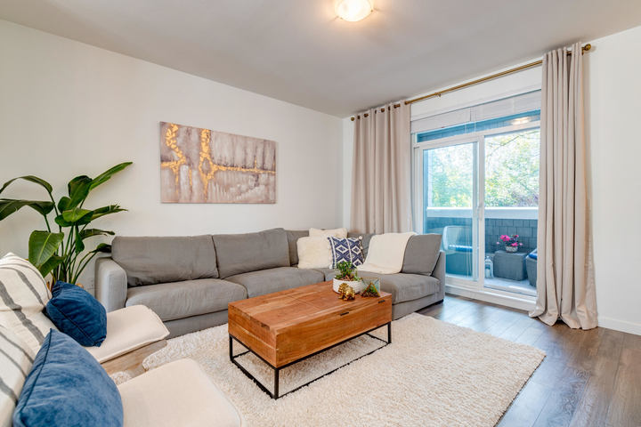 Living Room at 15 - 16357 15 Avenue, King George Corridor, South Surrey White Rock
