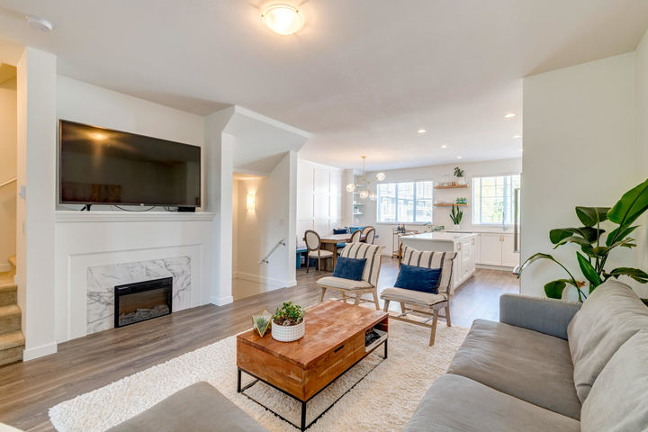 Living Room & Kitchen at 15 - 16357 15 Avenue, King George Corridor, South Surrey White Rock