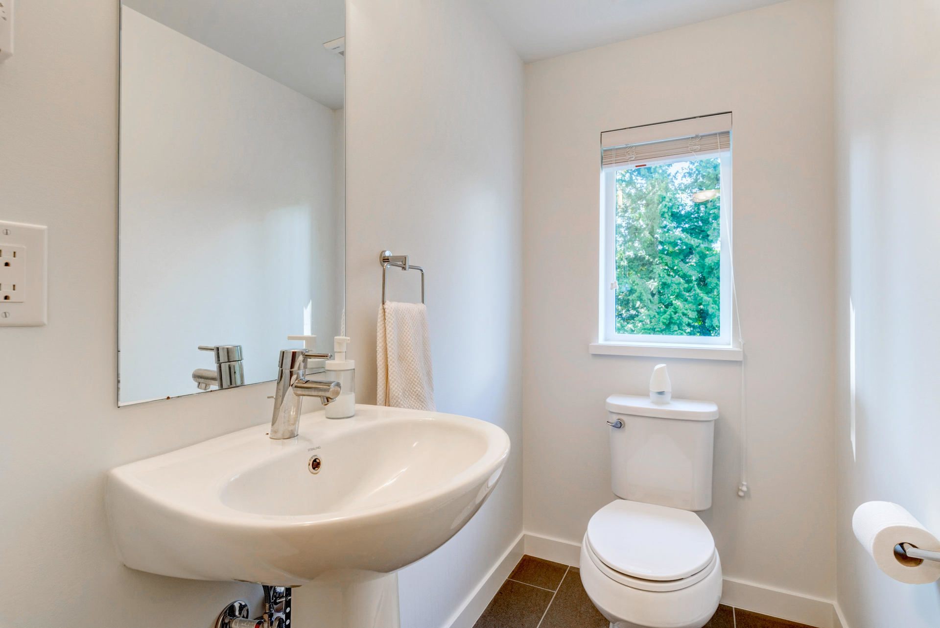 Powder Room at 15 - 16357 15 Avenue, King George Corridor, South Surrey White Rock
