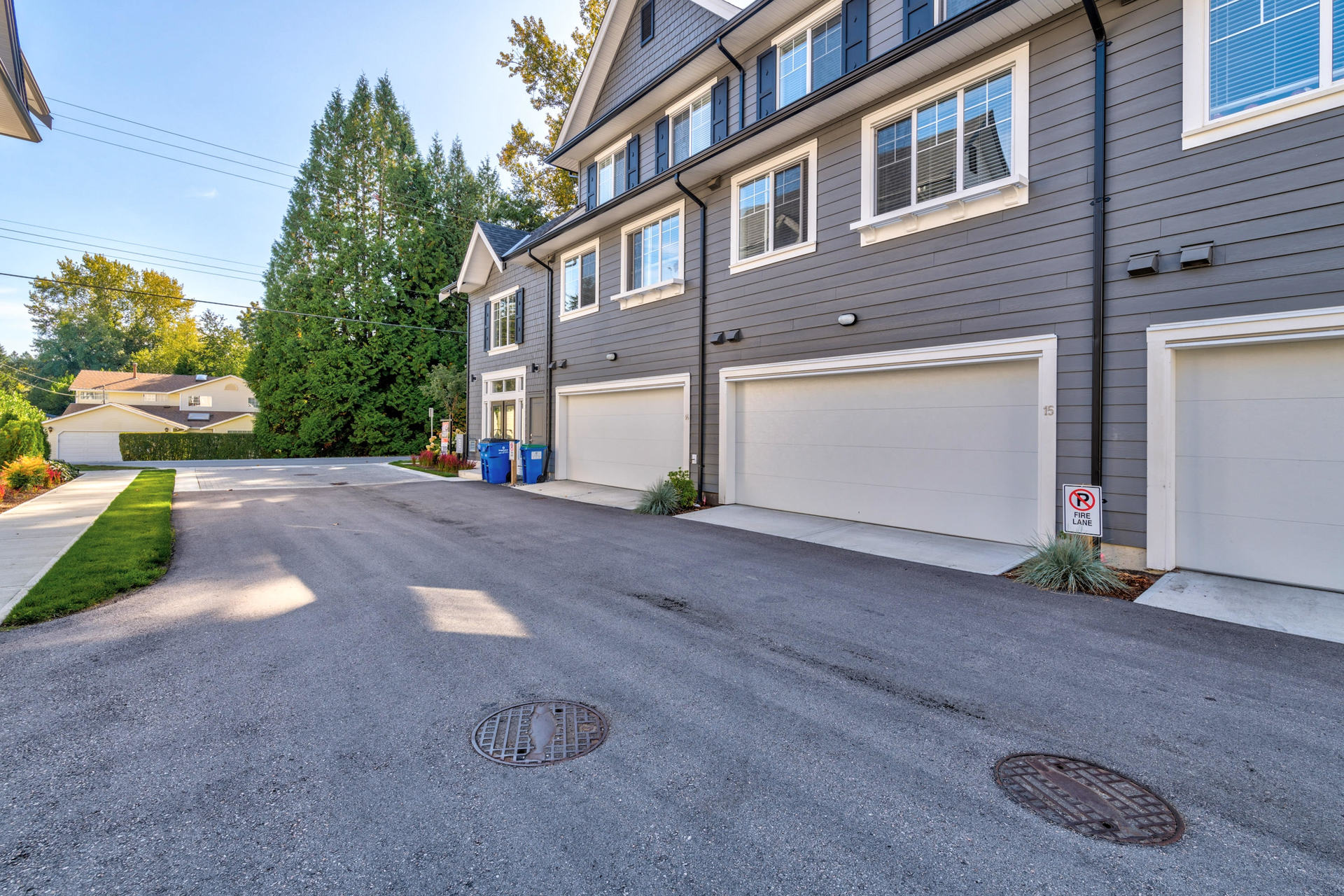 Garage at 15 - 16357 15 Avenue, King George Corridor, South Surrey White Rock