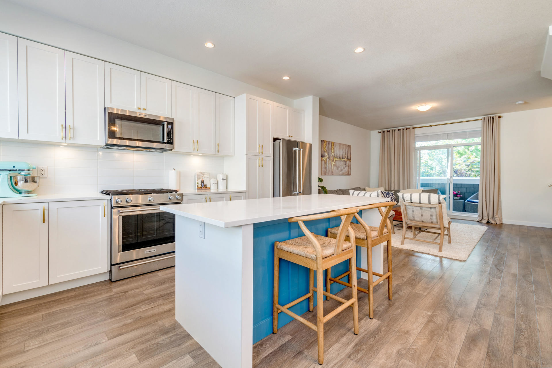Kitchen at 15 - 16357 15 Avenue, King George Corridor, South Surrey White Rock