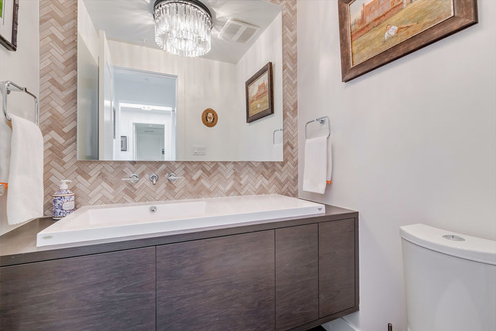 Powder Room at 908 - 1501 Vidal Street, White Rock, South Surrey White Rock