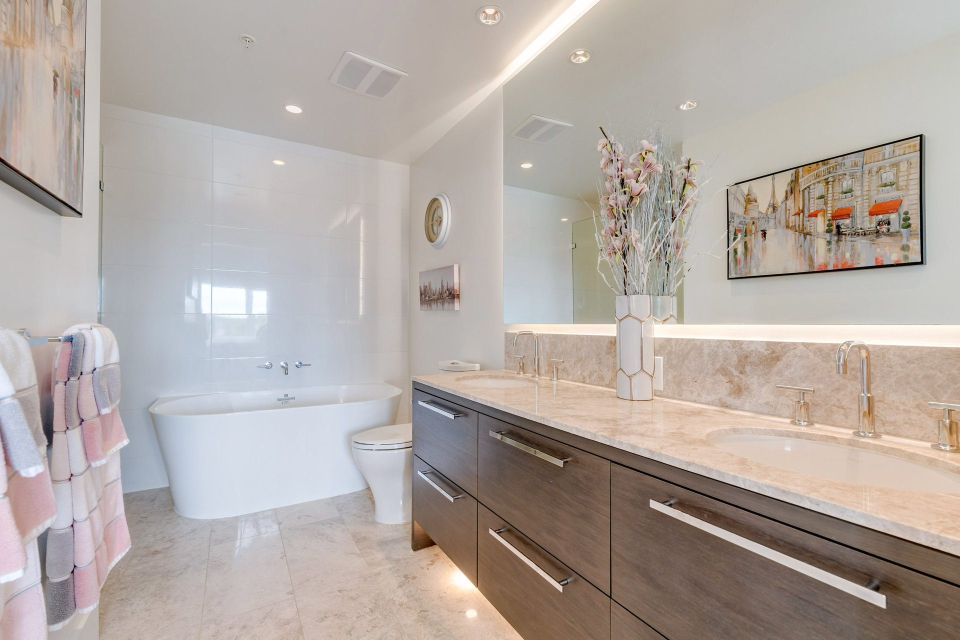 Master En-Suite  at 908 - 1501 Vidal Street, White Rock, South Surrey White Rock