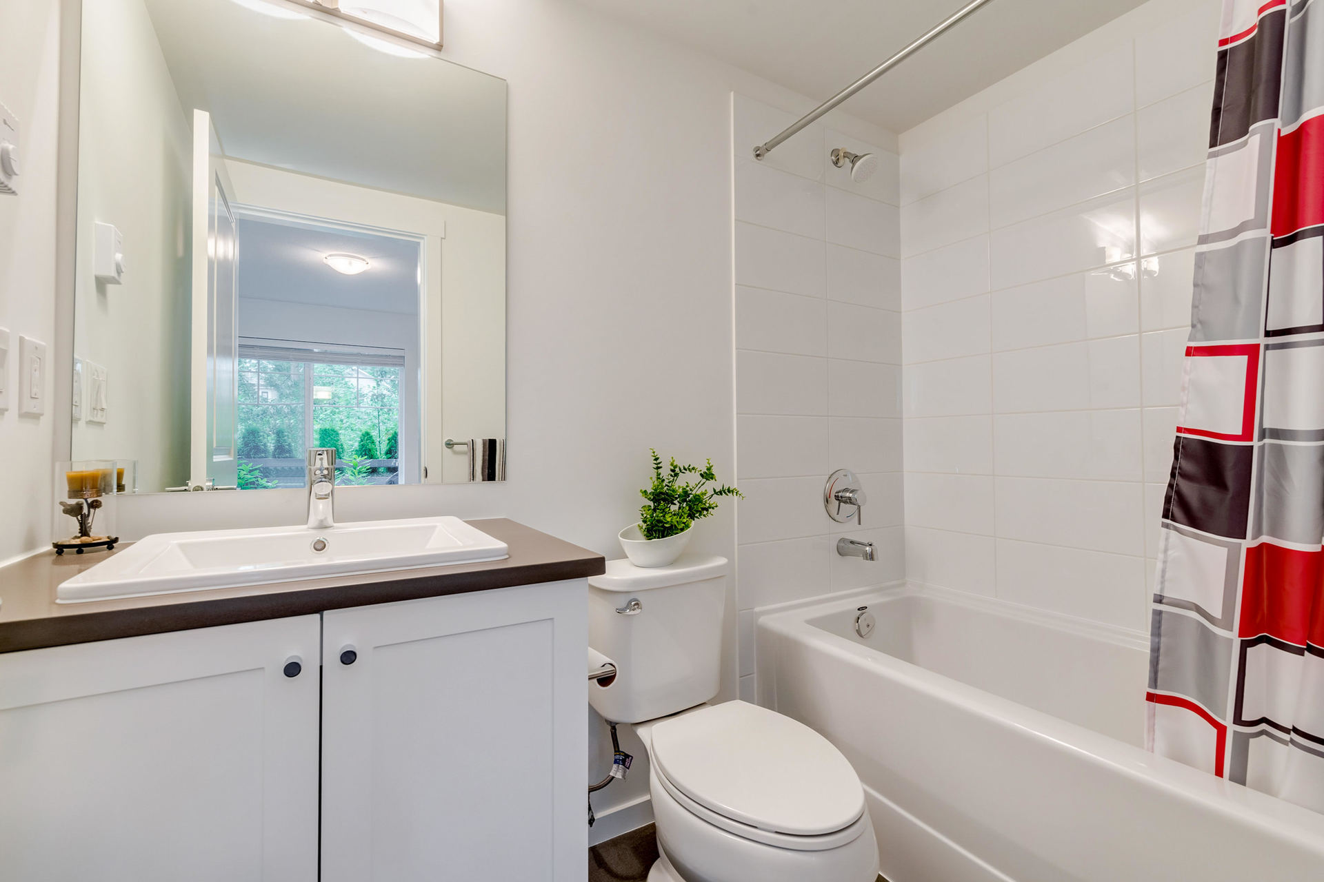 Downstairs En-Suite  at 22 - 127 172 Street, Pacific Douglas, South Surrey White Rock