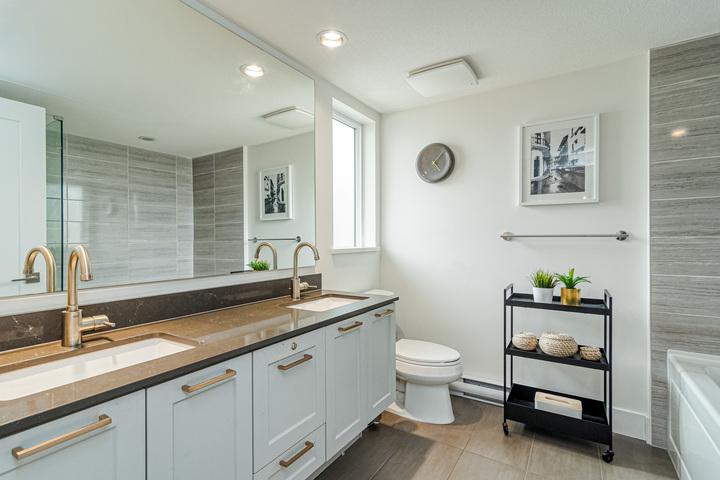 Master En-Suite  at 7 - 2825 159 Street, Grandview Surrey, South Surrey White Rock