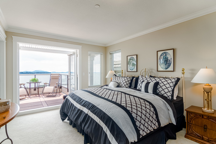 Master Bedroom  at 15090 Beachview Avenue, White Rock, South Surrey White Rock