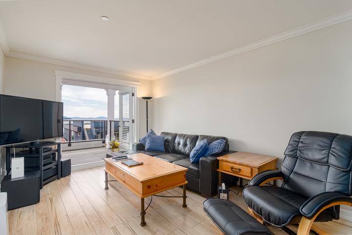 Suite Living Area  at 15090 Beachview Avenue, White Rock, South Surrey White Rock