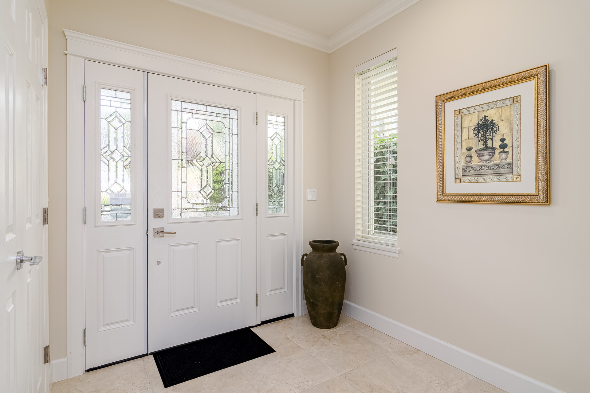 Main Foyer  at 15090 Beachview Avenue, White Rock, South Surrey White Rock