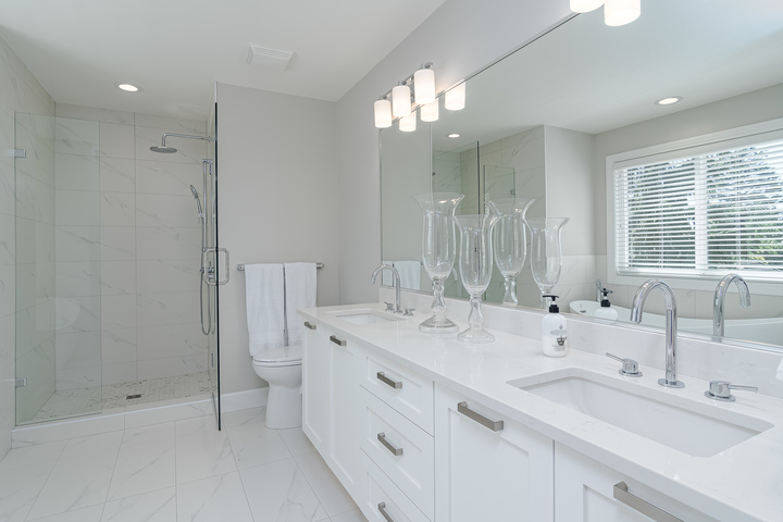 Master En-suite  at 13168 14a Avenue, Crescent Bch Ocean Pk., South Surrey White Rock