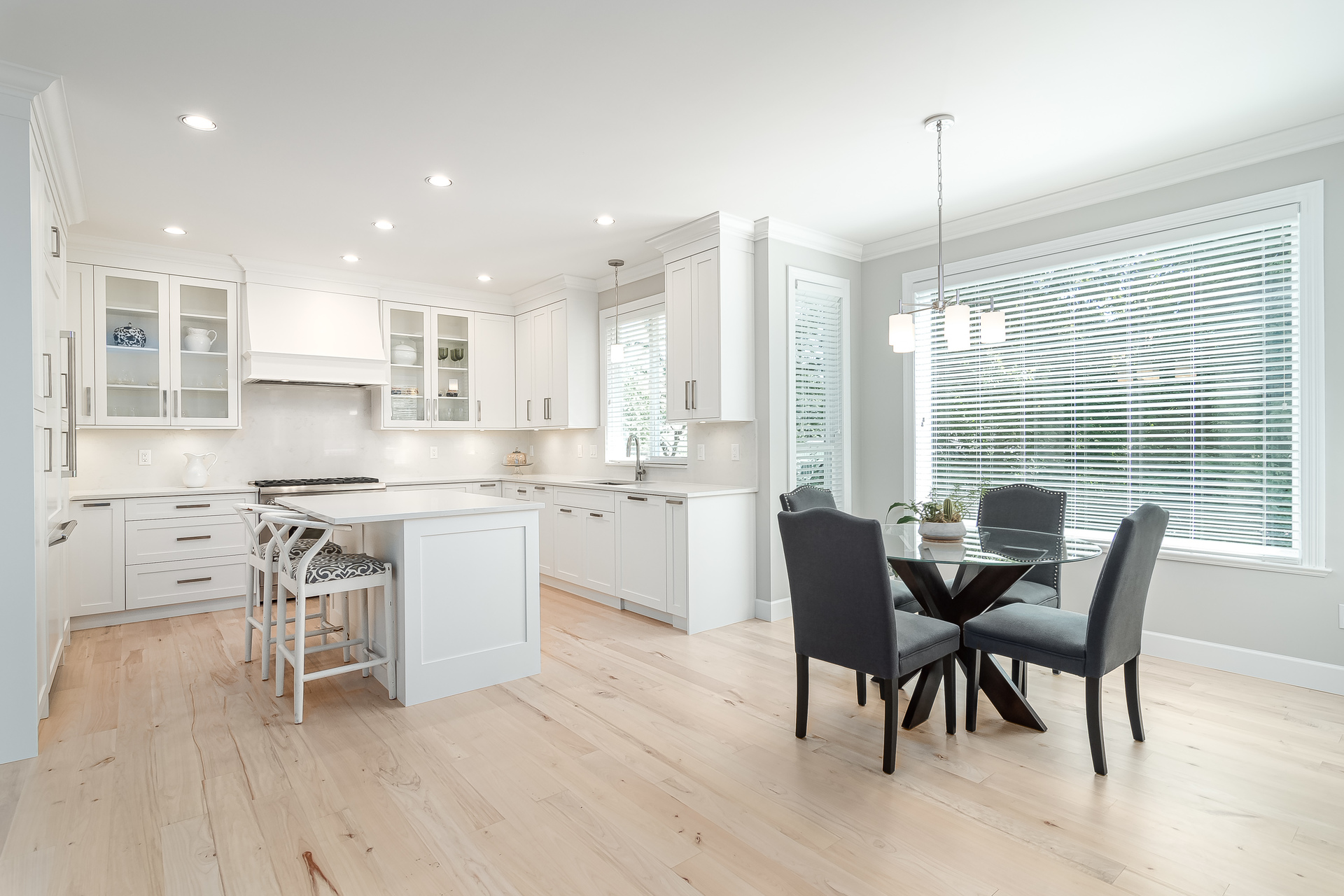 Eating Area & Kitchen  at 13168 14a Avenue, Crescent Bch Ocean Pk., South Surrey White Rock