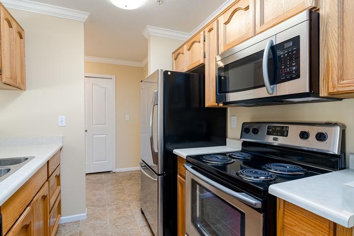 Kitchen  at 219 - 2239 152 Street, Sunnyside Park Surrey, South Surrey White Rock