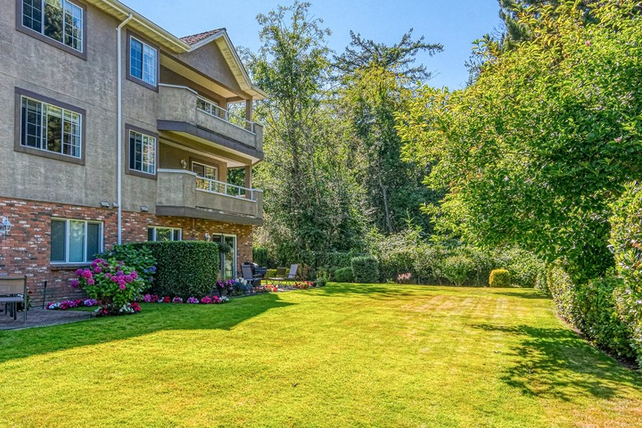 Green Space  at 219 - 2239 152 Street, Sunnyside Park Surrey, South Surrey White Rock