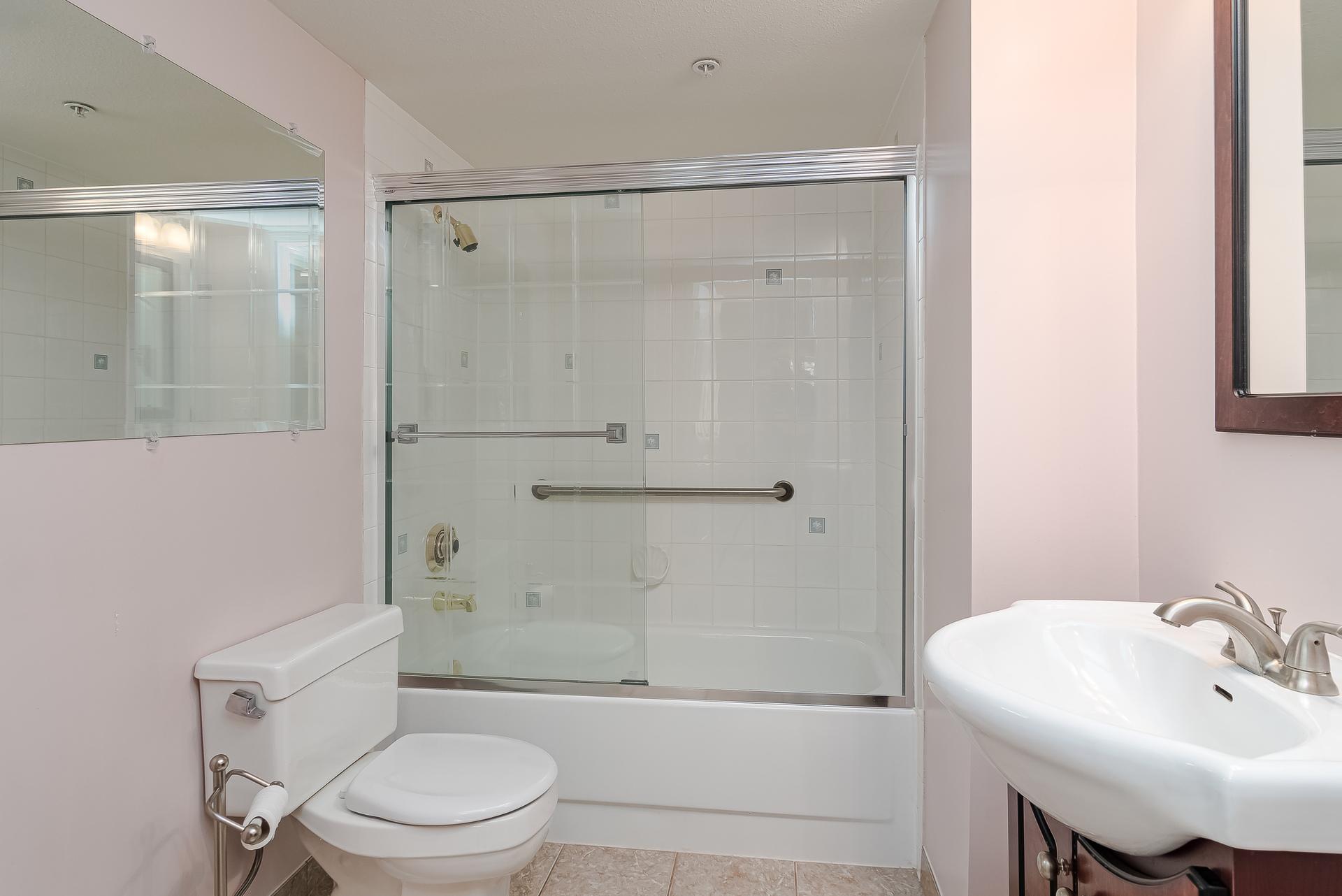 Master En-Suite  at 219 - 2239 152 Street, Sunnyside Park Surrey, South Surrey White Rock