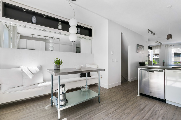 Kitchen Seating Area  at 39 - 3399 151 Street, Morgan Creek, South Surrey White Rock
