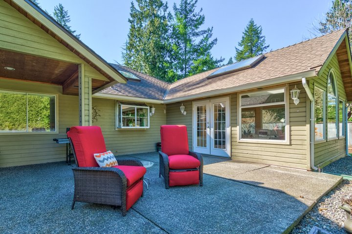 Patio at 17237 26 Avenue, Grandview Surrey, South Surrey White Rock