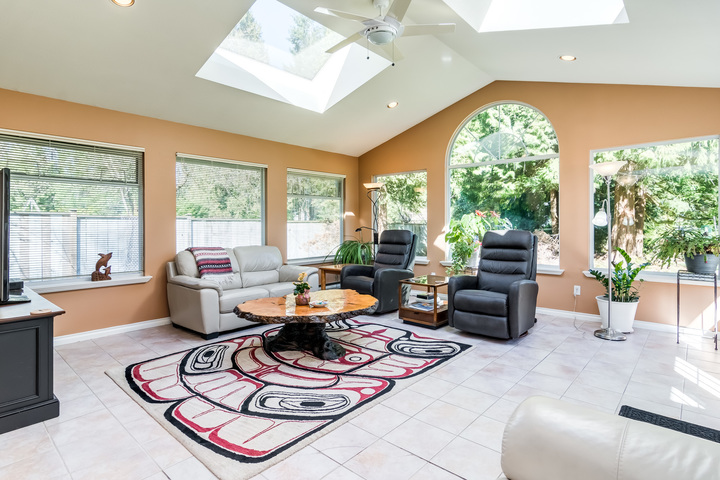 Family Room at 17237 26 Avenue, Grandview Surrey, South Surrey White Rock