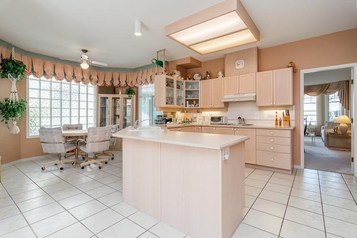 Kitchen & Breakfast Nook at 26 - 2533 152 Street, Sunnyside Park Surrey, South Surrey White Rock