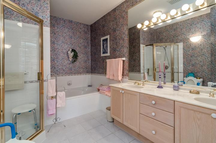 Master Bedroom Ensuite at 26 - 2533 152 Street, Sunnyside Park Surrey, South Surrey White Rock