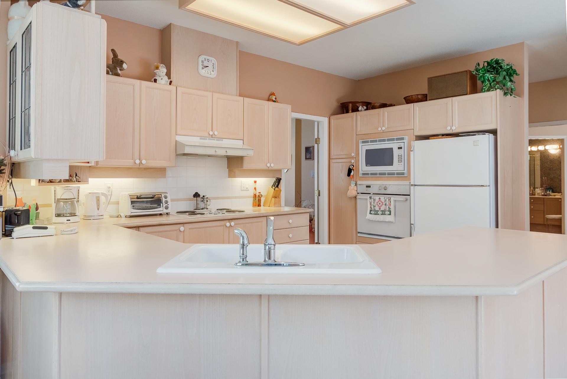 Kitchen at 26 - 2533 152 Street, Sunnyside Park Surrey, South Surrey White Rock