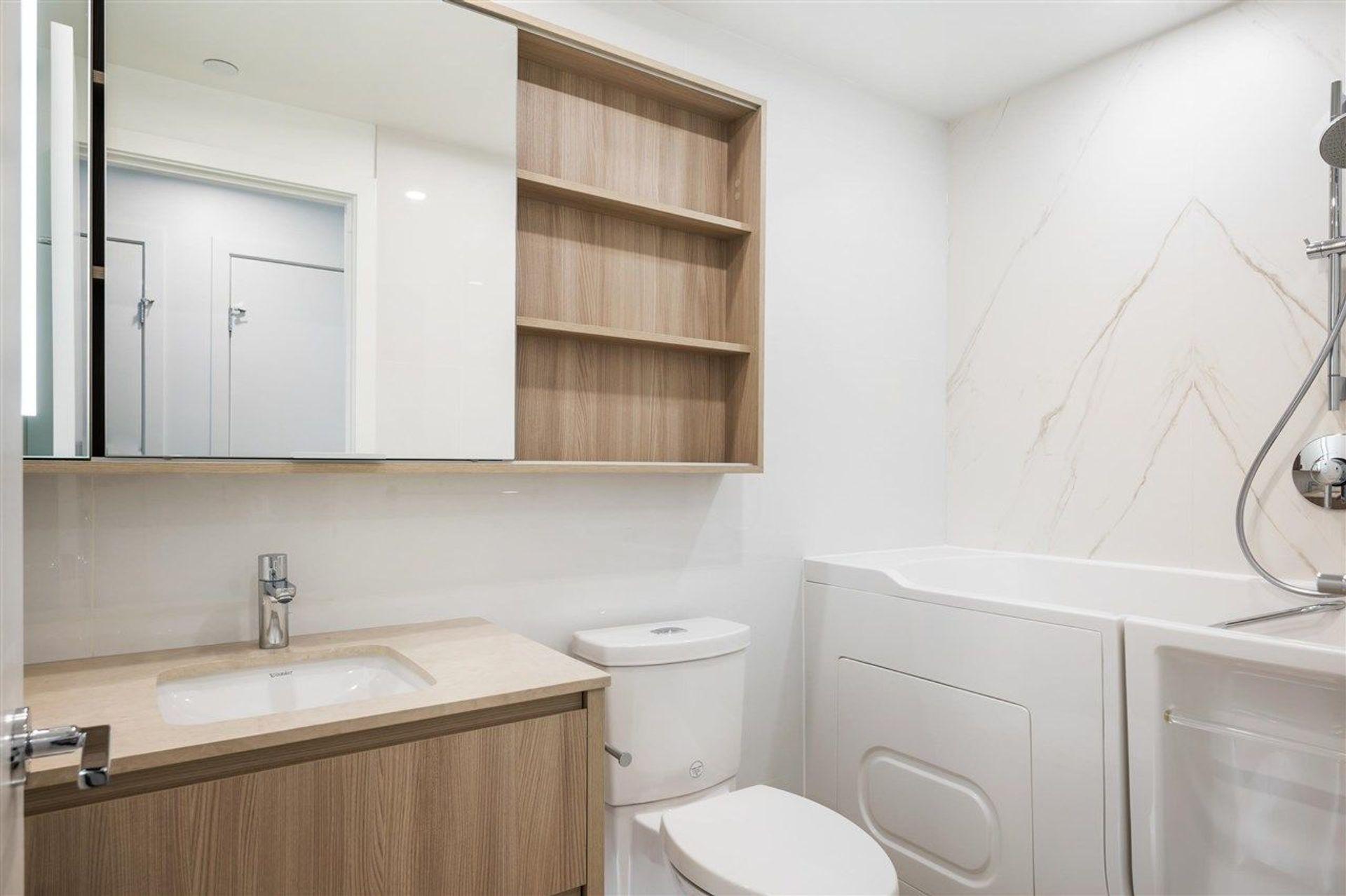 15165-thrift-avenue-white-rock-south-surrey-white-rock-19 at 402 - 15165 Thrift Avenue, White Rock, South Surrey White Rock