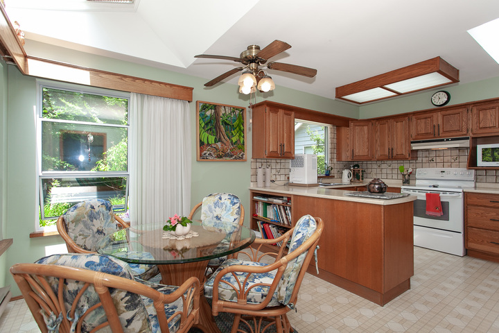 KItchen & Breakfast Nook at 13081 15 Avenue, Crescent Bch Ocean Pk., South Surrey White Rock
