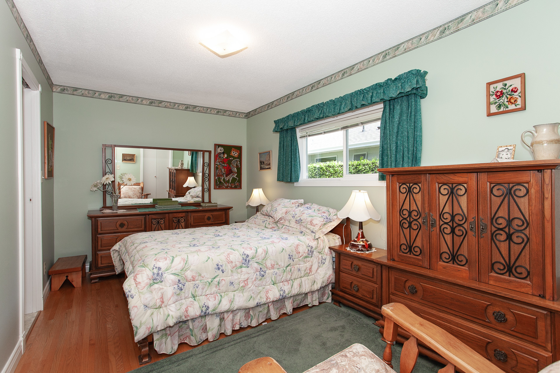 33477_27 at 13081 15 Avenue, Crescent Bch Ocean Pk., South Surrey White Rock