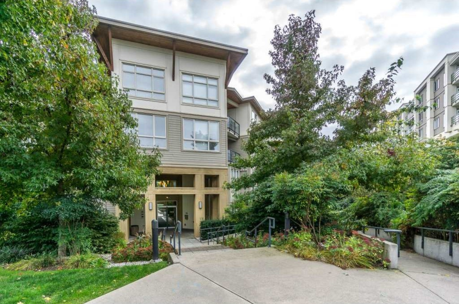 1 at 223 - 15918 26 Avenue, Grandview Surrey, South Surrey White Rock