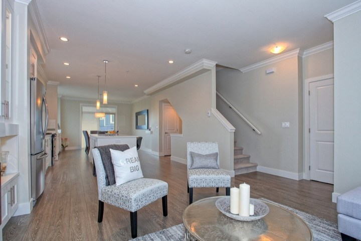 262143084-4 at 41 - 19913 70 Avenue, Willoughby Heights, Langley