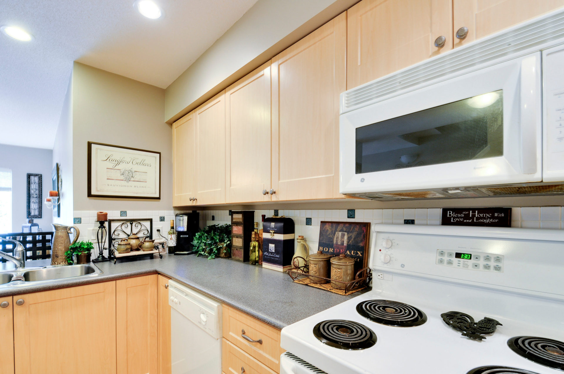 14115168-36-ave-print-006-23-kitchen-3216x2136-300dpi at 141 - 15168 36 Avenue, Morgan Creek, South Surrey White Rock