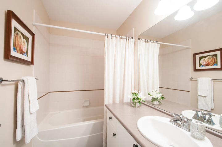 1815168-36th-ave-large-018-11-bathroom-1500x997-72dpi at 18 - 15168 36 Avenue, Morgan Creek, South Surrey White Rock