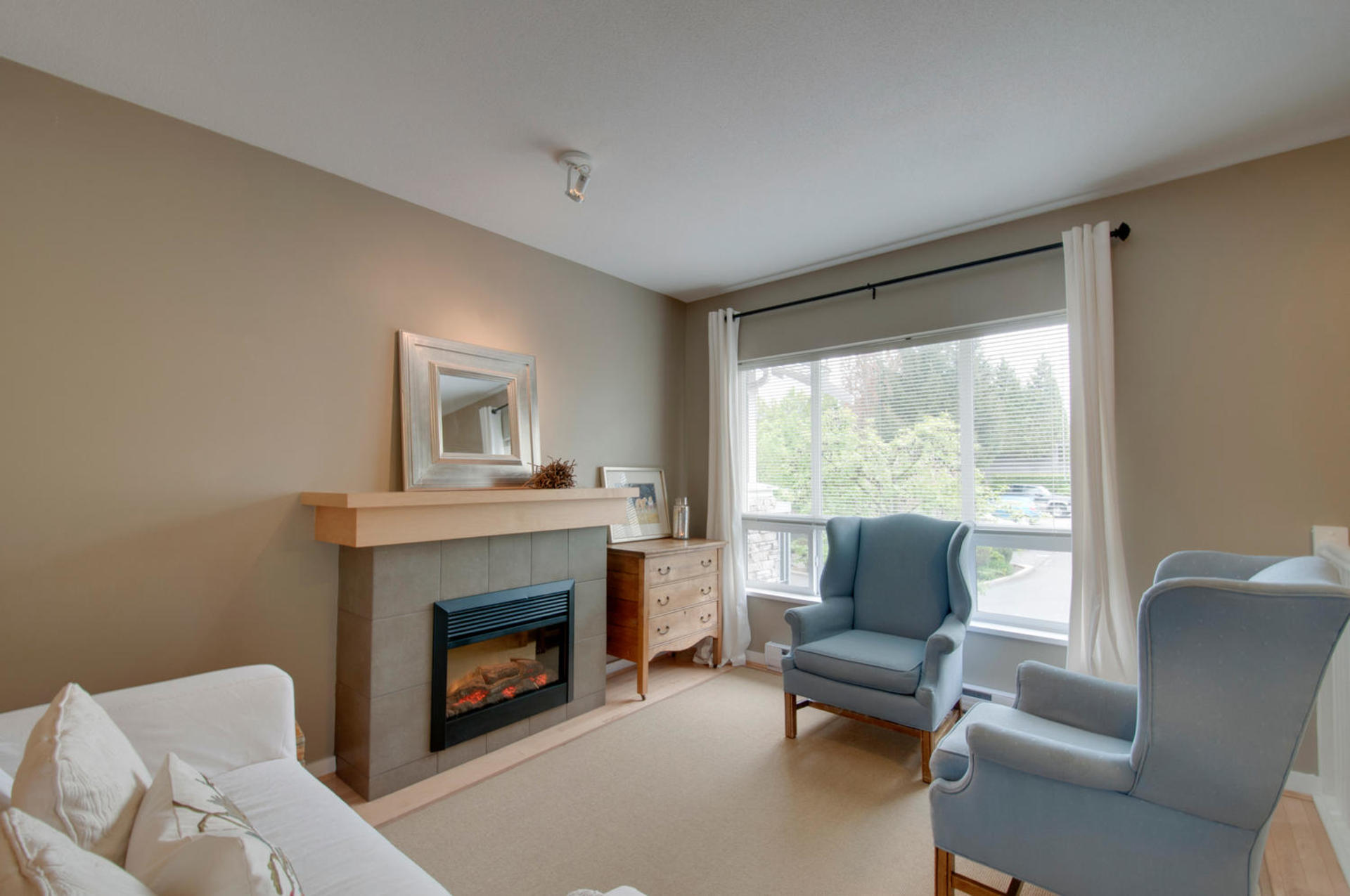 1815168-36th-ave-large-003-7-living-room-1500x997-72dpi at 18 - 15168 36 Avenue, Morgan Creek, South Surrey White Rock